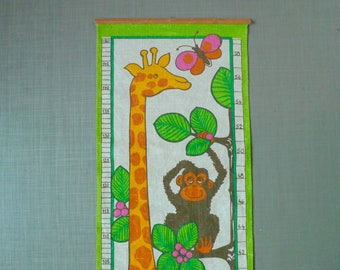 Linen Height Chart -  Scandinavian Wall Hanging Giraffe - Growth Chart