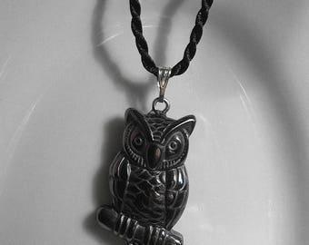 ON SALE Beautiful Hematite Gemstone Owl Pendant Necklace - Reiki Chakra Wicca - Grounding Protection Harmony 22611E