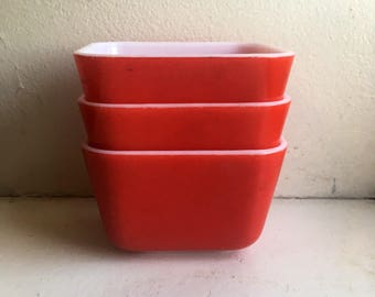 Vintage Red Pyrex 501 Refrigerator Dish Set (with no lids)