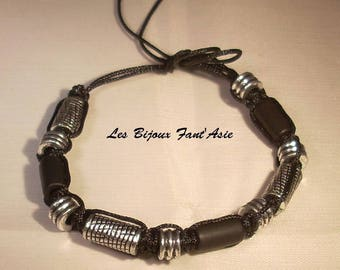 Macrame bracelet with black nylon with black acrylic beads and silver tie