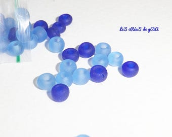 1 x 20g mix of blue seed beads