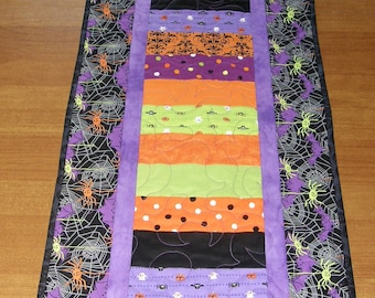 Halloween Quilted Table Runner, Halloween Table Runner Quilt, Purple Black Halloween Table Runner, Halloween Spider Web, Quiltsy Handmade