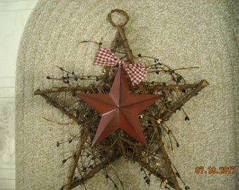 Twig Star Wreath with Metal Star,Pip Berrries