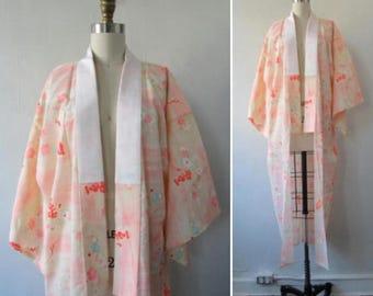 30% Off Flash Sale 1980s kimono | vintage kimono | silk kimono | floral kimono | vintage 1980s floral silk kimono | small | The Pink Chrysan