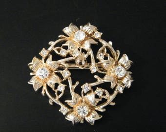 Vintage Filigree Floral Brooch with Rhinestones accent, goldtone square pin has 16 gemstones, holiday costume jewelry, unmarked