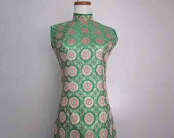 Stunning Vintage Chinese Japanese Asian Inspired Oriental Green Gold Pink Tapestry Tapestries Satin Side Slits Dress Mandarin Collar Size SM