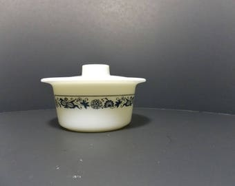 Corelle covered butter dish Pyrex Old Towne or Blue Onion Butter Dish Tub with Lid 70's kitchen