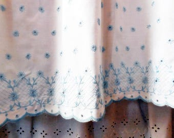Vintage Eyelet Lace Bed Skirt, Robin's Egg Blue on White, Scalloped Edge, Twin Size, Single, JC Penney's