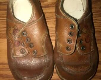 Vintage Winnie the Pooh shoes