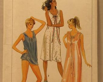 1980's Simplicity 6916, Women's Nightgown Pattern, Baby Doll Pajamas Pattern, Size Petite 6 - 8