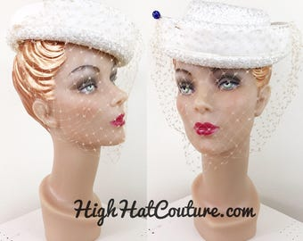 Vintage 1950s Hat / Breton / Straw Hat with veil/ Bow / Cream