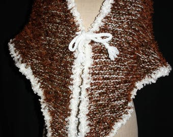 Heather short shawl khaki Brown and white