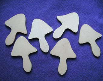 6 toadstools, wood, 4,5 x 2,5 cm (08-0002C)