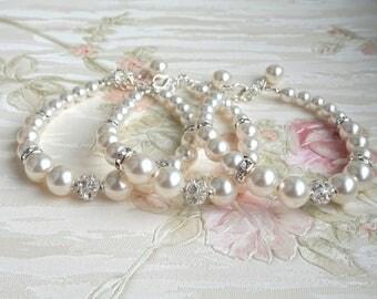 Pearl Bridal Bracelet Bridesmaid Bracelet Ivory Wedding Bracelet Wedding Jewelry Rhinestone Swarovski Pearl Bracelet Wedding Bracelet B4458