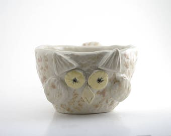 Owl cup with brown spots
