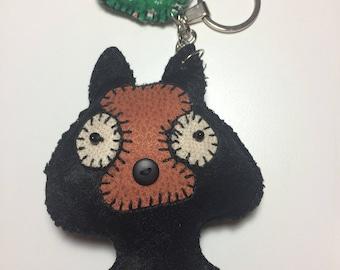 Keychain Black Dog with leaf