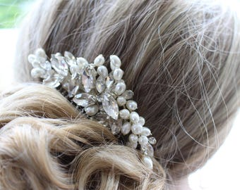 Rhinestone and Pearl Bridal Wedding Hair Comb / Bride Hair Piece /