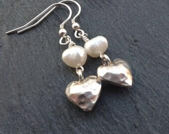 Karen Hill Tribe silver earrings/white/ivory freshwater pearl earrings/heart charm earrings/bridal wear/weddding jewellery/gift for her