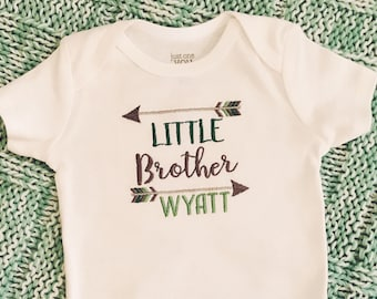 Little Brother Bodysuit, Tribal Brother Clothing, Pregnancy Announcement Outfit, Boy's Baby Shower Gift, Little Brother Coming Home Outfit