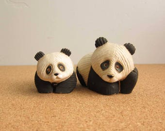 Vintage Artesania Rinconada Panda Bear Mama & Baby Figurine - Collectible Uruguay Pottery Wildlife Panda - Set of 2