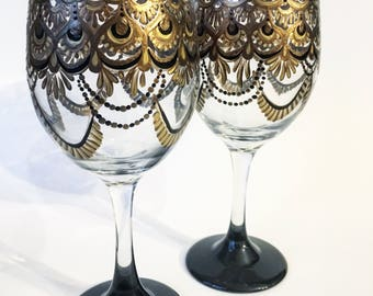 Gold and Black Regal Wine Glass Set