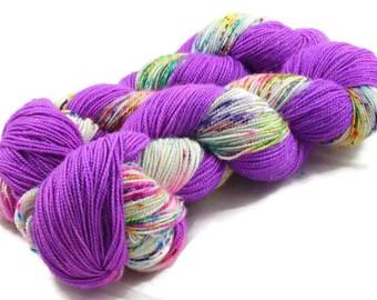 Candy Trove, stellina sock yarn, sparkle, fingering weight yarn, indiedyed yarn, hand dyed sock yarn, rainbow sock yarn, merino yarn