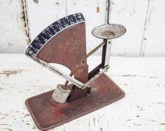 Antique Vintage Farm Kitchen Egg Scale