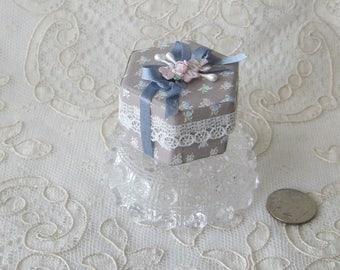 OOAK Artisan Dollhouse Miniature Double Hat Box / Gift Boxe - Scale 1:12