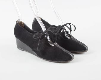 Vintage 1940s Shoes | 40s Black Suede Leather Wedges Lace Up Cutout Oxford Heels (womens size 5.5)