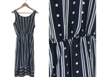 Vintage boho sundress / black white patterned summer dress / 80s St Micheal dress / small sun dress / boho festival dress / short dress