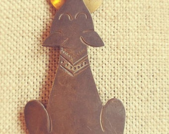 Vintage Wolf Howling at Moon Pin