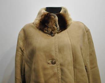 Vintage LAMBSKIN FUR COAT with Mink fur collar , women's fur coat..............(532)