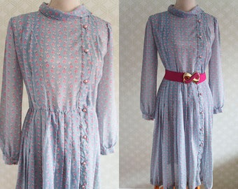 Pale blue 80s Vintage dress. Medium size vintage dress.
