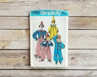 Clown Costume Children's Jester Outfit Simplicity 7162 Size 6 Size 8 Costume Retro Creepy Clown Halloween Kids Pattern 1975 Old Costume Kids
