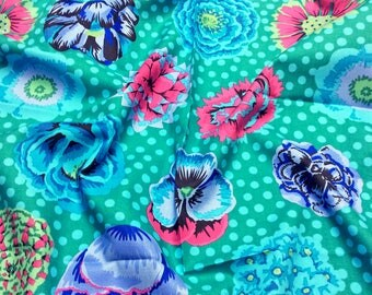 Kaffe Fassett Collective Big Blooms PWGP091 Emerald Free Spirit Fabric
