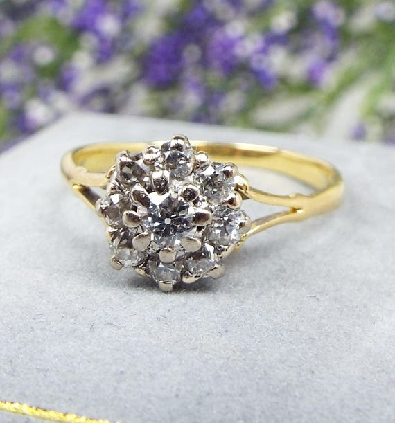Antique / Victorian 18ct Yellow Gold Beautiful 9 Diamond Cluster Ring Size M 1/2
