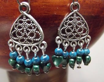 3 cm tall, glass beads and heart earrings, pierced