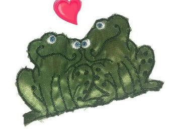 70s Big FROG Patch Embroidered Sew On Applique Green Frogs in LOVE 1970s Vintage Fashion Embroidery Supply Notion Jean Jacket Valentine Gift