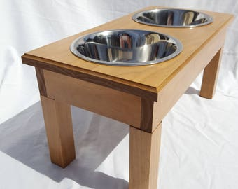 """Wood Elevated Dog Feeder w/Stainless Steel 1 Quart Bowls, 8"""""""" Tall"""