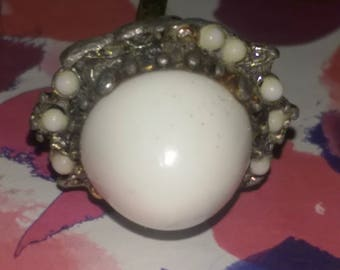 Antique White Stone Ring. Adjustable. FREE SHIPPING!