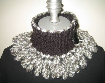 The little neck-warmer black and silver