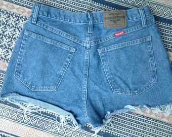 Wrangler Vintage Denim High Waisted Shorts - M