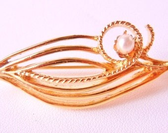 10% OFF Pin Mid Century Modern Design Gold Tone & Faux Pearl Vintage Perfect Condition SHIPPING SPECIAL 0704 9592