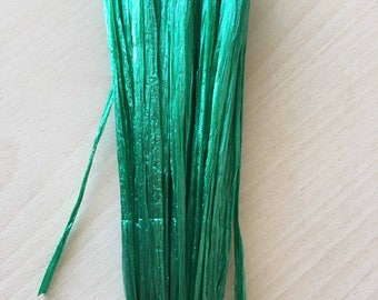 "Iridescent emerald green raffia ""special embroidery"""