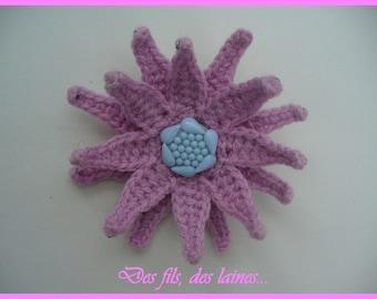 Crochet 2 in 1 jewelry: pink crochet flower brooch-hairpin/3D crochet flower/ornamental flower/original hair accessory/crochet decor