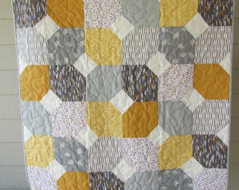 Gray and yellow quilt, Baby boy quilt, Handmade yellow and grey quilt, Crib quilt, stroller quilt, Modern boy quilt, gender neutral quilt