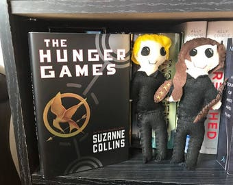 Dystopian Bookshelf Buddies