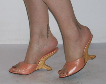 Wild 1950s pearlised melon mules w/floating - cantilevered heels US 7 1/2 /UK 5 1/2