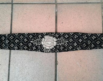 Beautiful 1930s 40s black velvet and wirework rose motif belt