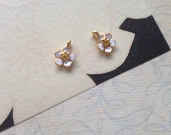 2pcs resin enamel charms shaped small white flower